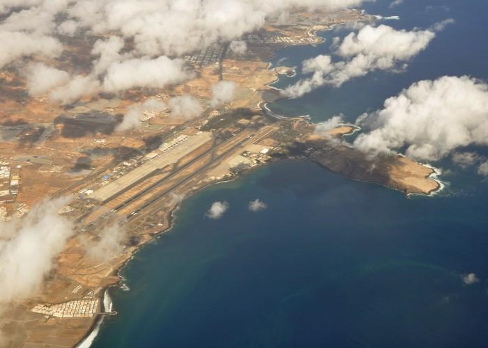 La privatización parcial de AENA, positiva para el futuro del turismo en Canarias