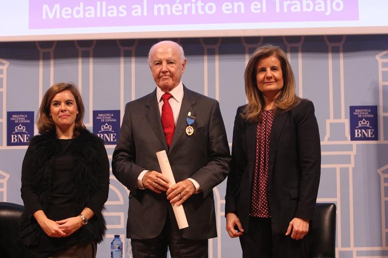 Medalla de oro a una vida de trabajo para d. Domingo González Guerra