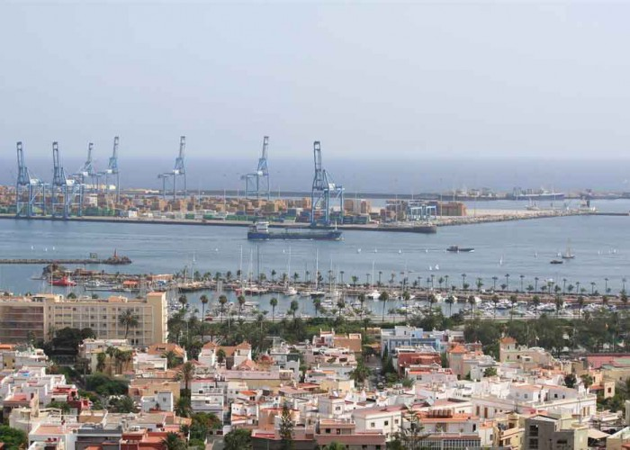 """REF: """"Canarias ha de competir como una economía integrada, no aislada ni asustando a los inversores"""""""