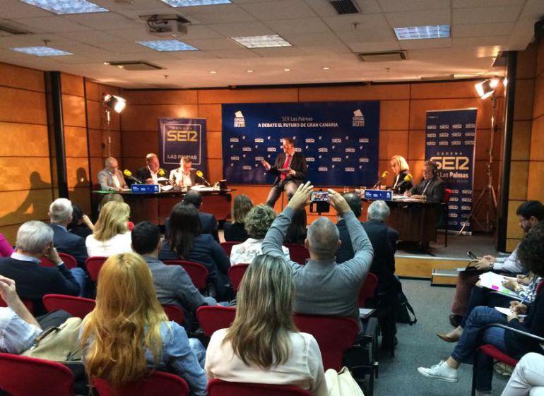Debate a cinco bandas por el Cabildo de Gran Canaria